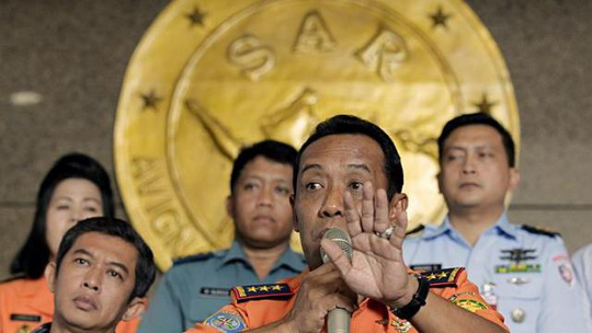 Ông Sambang Soelistyo phát biểu trong cuộc họp báo hôm 28-1. Ảnh: EPA