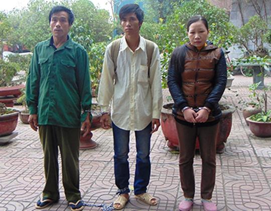 Sau 23 năm lẩn trốn Nguyễn Ngọc Đức (bìa trái) đã bị bắt tại Bình Dương. Ảnh Công an Thanh Hóa