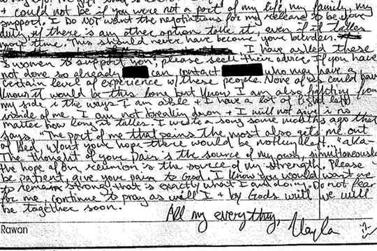 Bức thư của Kayla Mueller viết gửi gia đình. Ảnh: Bloomberg