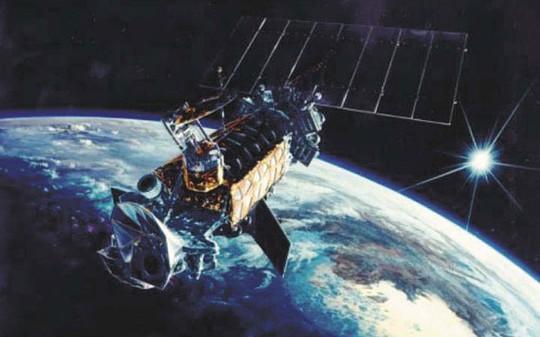 Một vệ tinh thuộc hệ thống DMSP đang hoạt động trong quỹ đạo. Ảnh: Los Angeles Air Force Base