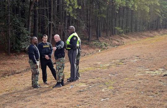 Hiện trường vụ cướp ở phía Đông bang Bắc Carolina – Mỹ. Ảnh: AP