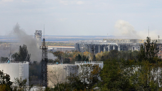 Sân bay TP Donetsk liên tục diễn ra xung đột giữa quân đội Kiev và phe ly khai. Ảnh: AP