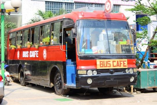 Quán cà phê xe buýt, một nét độc đáo tại Hà Thành