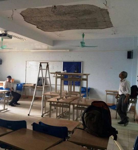 Phòng học 714, nơi xảy ra vụ việc mảng tường lớn rơi xuống khiến nữ sinh Linh phải nhập viện