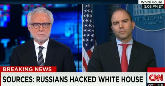 Phó Cố vấn An ninh Nhà Trắng Ben Rhodes (phải) trả lời trên CNN hôm 7-4. Ảnh: CNN