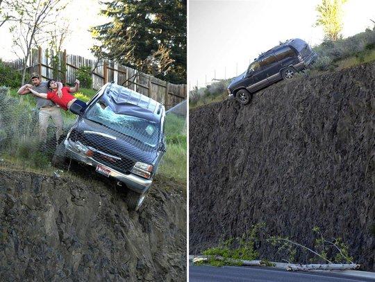 Anh Warnock kéo tài xế Sitko ra khỏi chiếc xe nằm bên bờ vực. Ảnh: NBC News