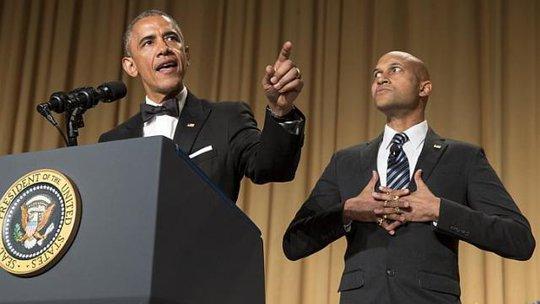 Tổng thống Obama phát biểu tại bữa tối của phóng viên Nhà Trắng hôm 25-4. Ảnh: Reuters