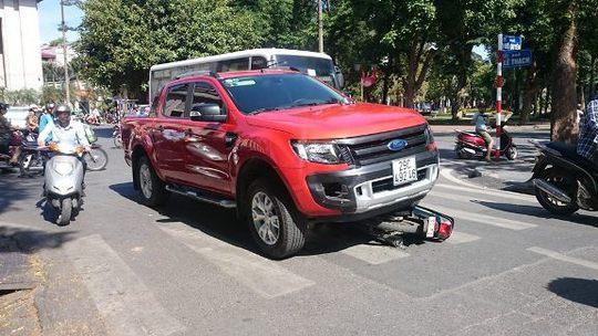 Hiện trường vụ tai nạn xe máy đâm liên hoàn