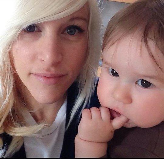 Sarah Blackwood và con trai. Ảnh: Instagram
