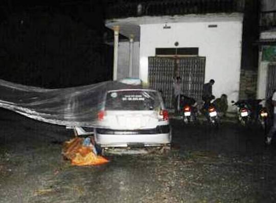 Chiếc taxi bị đối tượng Trần Văn Đức sát hại tài xế rồi mang đi thủ tiêu bị người dân phát hiện