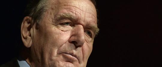 Cựu Thủ tướng Đức Gerhard Schroeder. Ảnh: AP