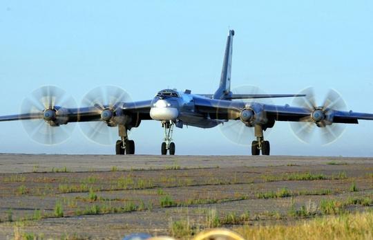 Máy bay ném bom chiến lược Tu-95 của Nga. Ảnh: TASS