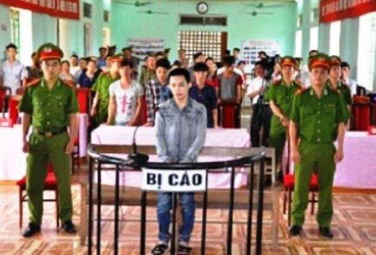 Đối tượng Nguyễn Văn Tâm tại phiên xét xử. Ảnh TAND huyện Nga Sơn