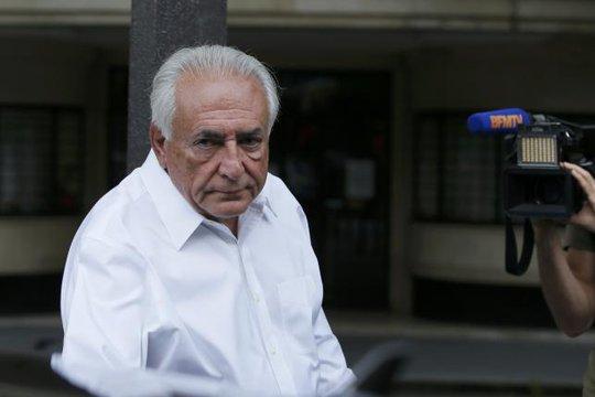 Ông Dominique Strauss-Kahn được tòa án TP Lille – Pháp tha bổng hôm 12-6. Ảnh: Reuters