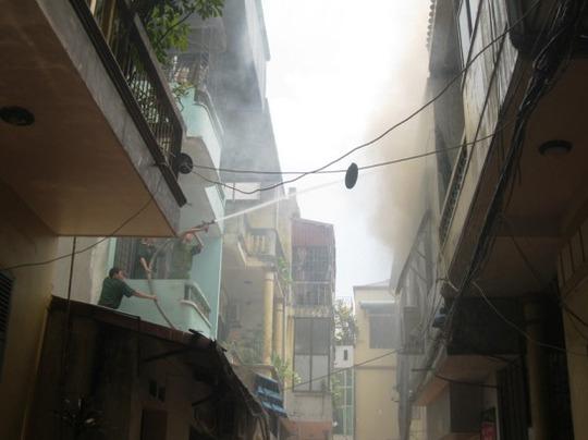 Vụ cháy xảy ra tại 2 phòng trọ cho thuê trên tầng 2 của ngôi nhà