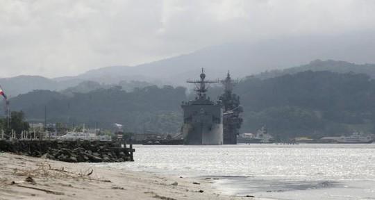 Tàu chiến Mỹ đậu ở Vịnh Subic, phía Bắc Manila - Philippines năm 2014. Ảnh: Reuters