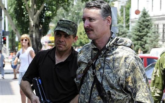 Thủ lĩnh Igor Girkin (phải). Ảnh: Telegraph