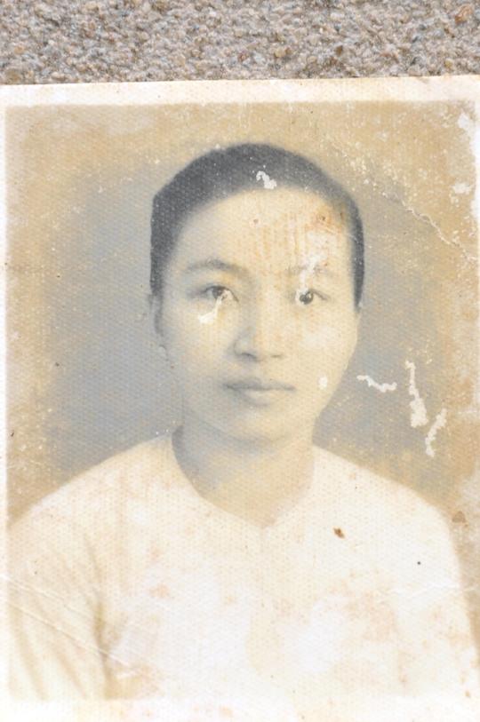 Mẹ tôi lúc 30 tuổi
