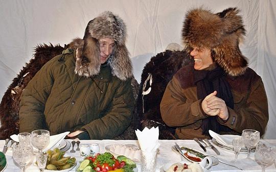 Tổng thống Nga Vladimir Putin (trái) và cựu Thủ tướng Ý Silvio Berlusconi là 2 người bạn thân thiết. Ảnh: Telegraph