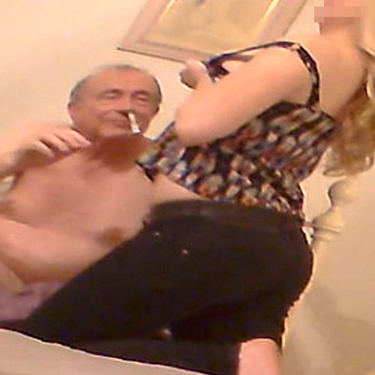 Phó Chủ tịch Thượng viện Anh hút thuốc phiện với gái bán dâm