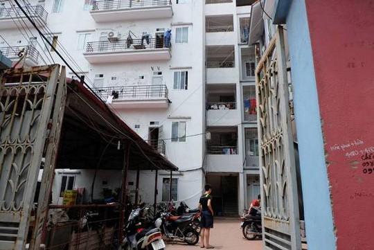 Ngôi nhà nơi bà Nguyễn Thị Thảo bị lọt xuống khe