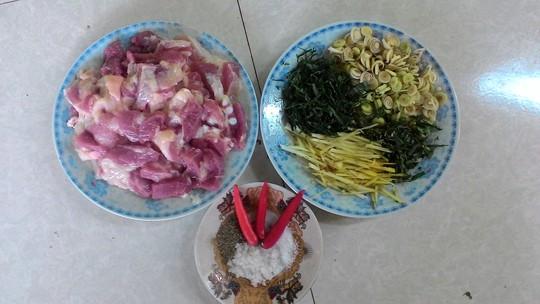 Nguyên liệu cho món thịt nướng lá chuối