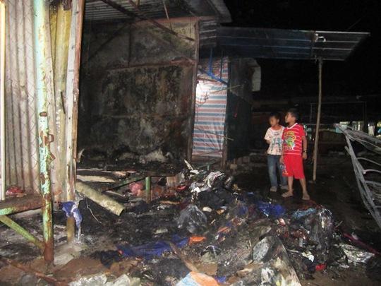 Cháy chợ Phong Nha, 3 ki-ốt bị thiêu rụi