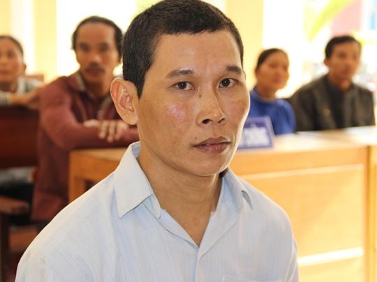 Bị cáo Lý Huỳnh Ên trước tòa.
