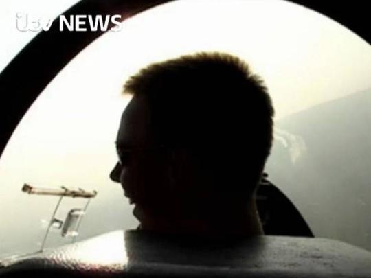Nụ cười của Andreas Lubitz trong video quay lại cảnh tập bay những ngày thiếu niên.