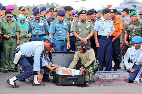 """AirAsia QZ8501 """"có thể nổ trước khi chạm nước"""""""