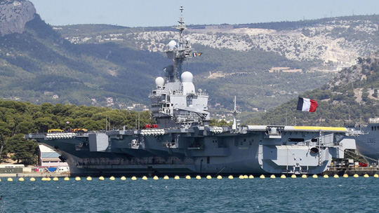 The French nuclear-powered aircraft carrier Charles de Gaulle (Reuters / Stringer)