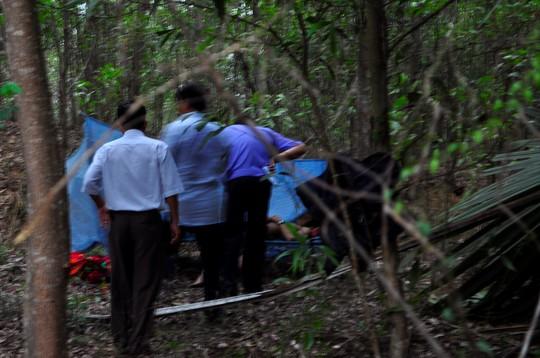 Nạn nhân nghi bị sát hại trong vườn nhà