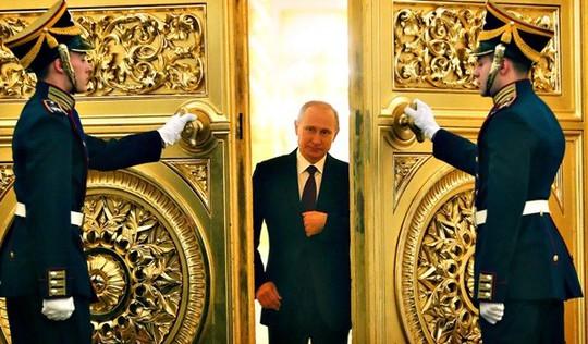 Sự vắng mặt của ông Putin trước công chúng đang gây khá nhiều lời đồn đoán. Ảnh: blogs.ft.com