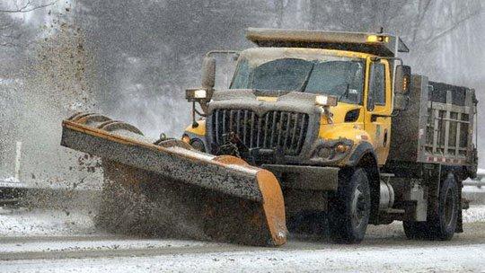Xe ủi tuyết tại bang Pennsylvania. Ảnh: AP