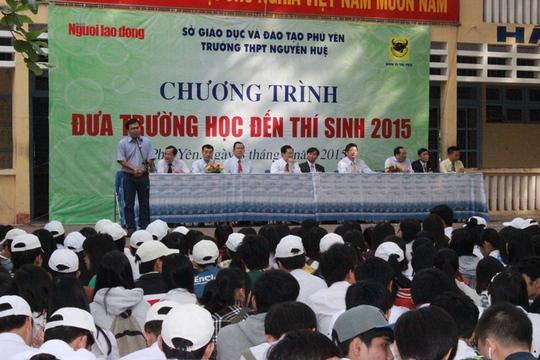 Ông Dương Quang - đại diện Báo Người Lao Động - phát biểu tại chương trình