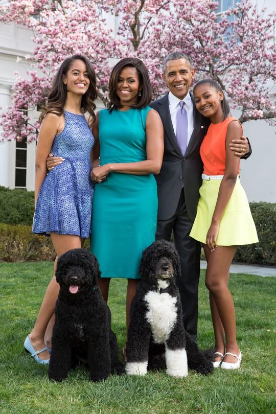 Gia đình hạnh phúc của Tổng thống Obama. Ảnh: More