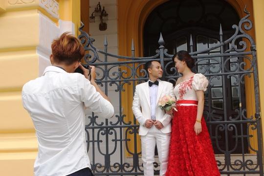 Công trình hơn 100 năm tuổi được rất nhiều cặp đôi uyên ương đến đây chụp ảnh cưới