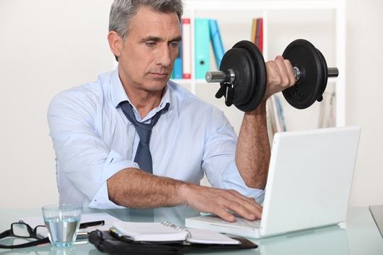 Người bận rộn nên áp dụng các bài tập xen kẽ trong quá trình tập thể dục