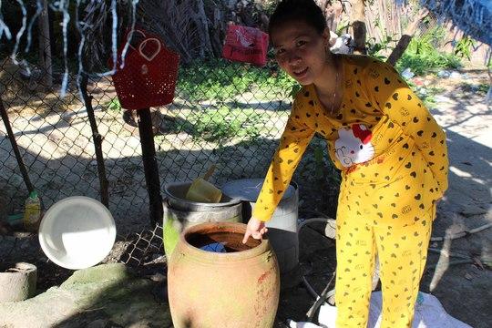 Người dân làng phong Quy Hòa phải sử dụng nước bị nhiễm phèn