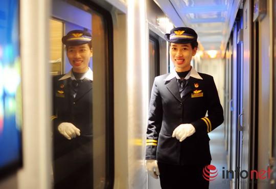 Chị Nguyễn Thị Hương (25 tuổi, nhân viên khách vận) cho biết: Điểm mạnh của những toa tàu 5 sao là giảm được tiếng ồn, điều này giúp hành khách có thể ngủ ngon giấc trong các toa giường nằm.