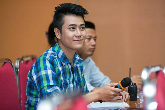Nghệ sĩ thương tiếc MC trẻ Quang Minh