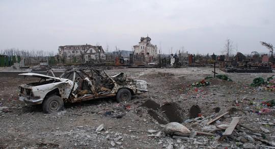 Cảnh tượng hoang tàn sau một trận pháo kích. Ảnh: Sputnik