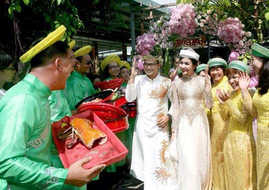 Huỳnh Đông và Ái Châu hạnh phúc trong ngày cưới