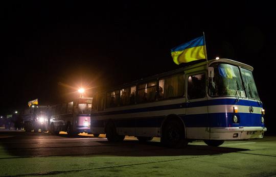 Hoạt động trao trả tù binh đầu tiên giữa Kiev và lực lượng ly khai. Ảnh: TASS