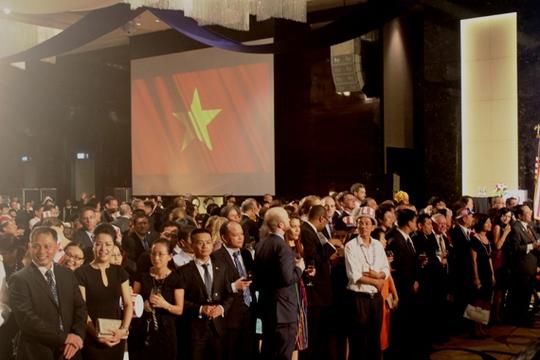 Bill Clinton: Việt-Mỹ đến với nhau bằng vòng tay thay vì nắm đấm
