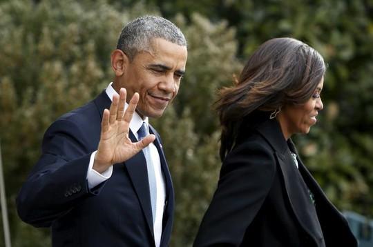 Thu nhập nhà Obama liên tục giảm những năm gần đây. Ảnh: Reuters