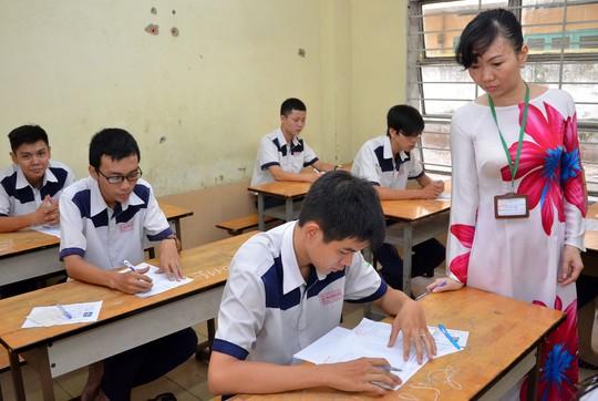 Thí sinh dự thi tốt nghiệp THPT năm 2014 tại TP HCM Ảnh: TẤN THẠNH