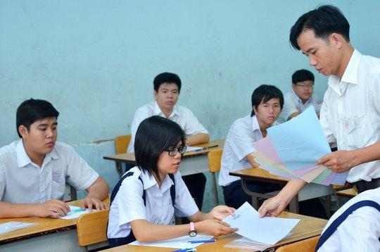Học sinh thi vào lớp 10 tại TP HCM Ảnh: TẤN THẠNH