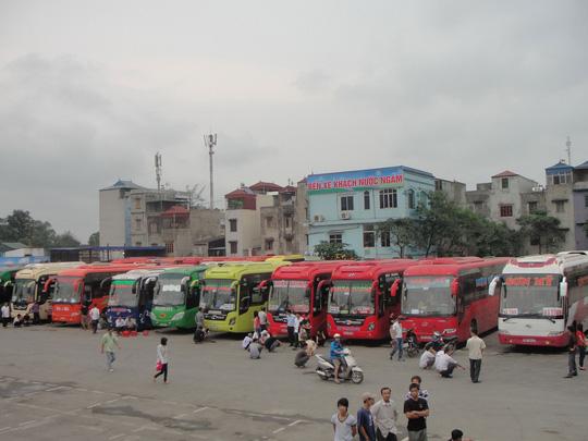 DNTN Chín Nghĩa và HTX Xe khách Trung Nam hoạt động trong Bến xe Nước Ngầm đề xuất phụ thu giá vé đến 60%