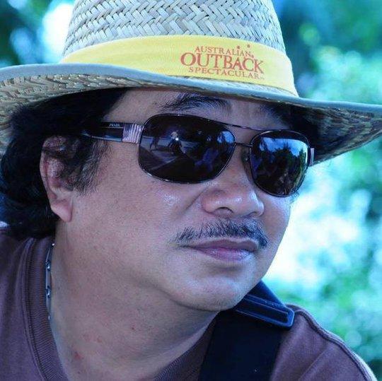 Võ Việt Hùng là đạo diễn gắn liền tên tuổi với dòng phim xưa như Tân Phong nữ sĩ, Tình án, Khóc thầm....